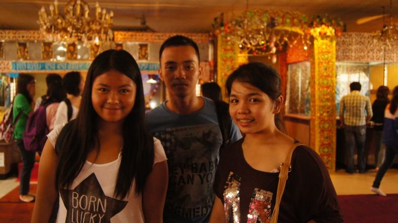With Kasaysayan 2 classmates at Sikh Temple.